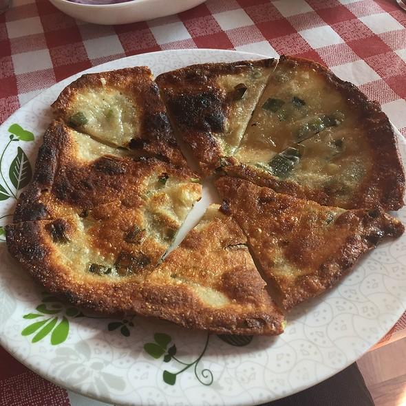Scallion Pancake @ Q's Restaurant