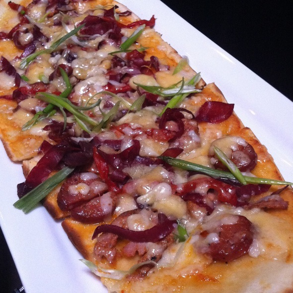 Carnivore Flatbread @ Earth Bloor West