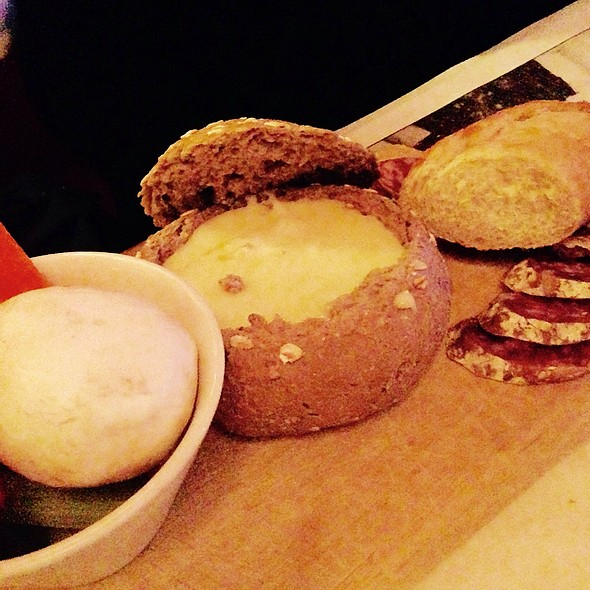 Starter Cheese Fondue @ Café Elsa's