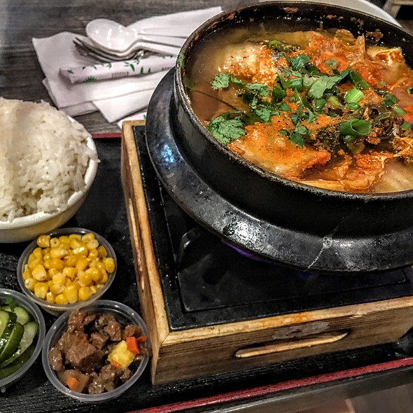 Kimchi Hot Pot With Beef @ Guppy Teahouse