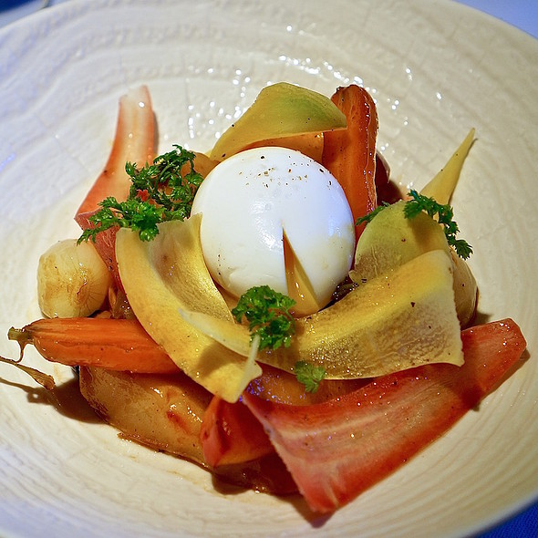 Poached egg, root vegetables, apples, pears