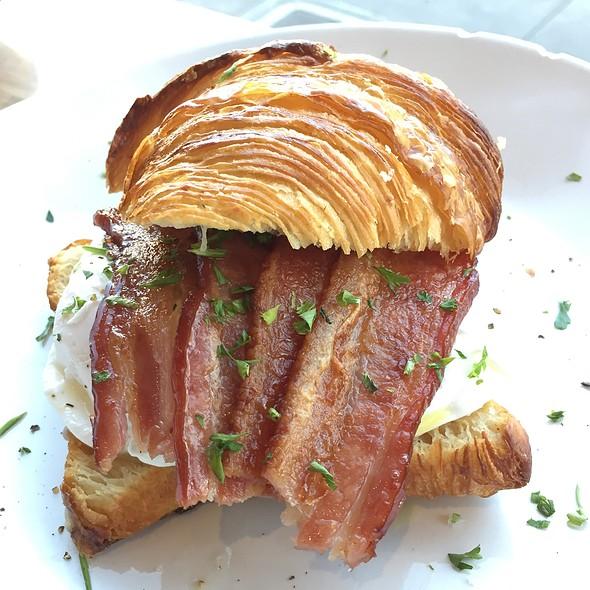 Breakfast Sandwich @ Hearth