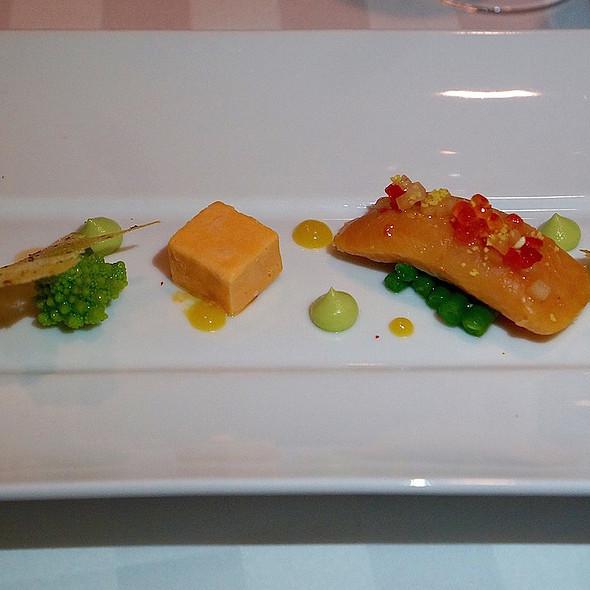 ... semi-cuit, lemon Meyer confit, bell pepper ice cream, green haricot