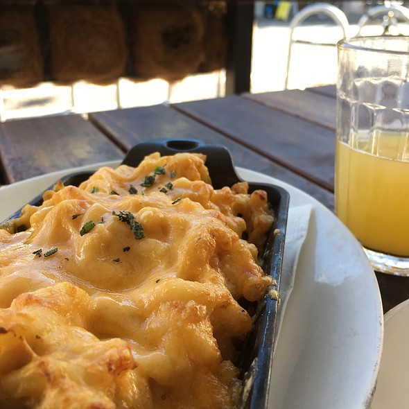Pimento Macaroni And Cheese @ The Wandering Goose