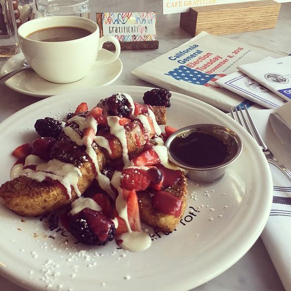 French Toast @ Café Gratitude