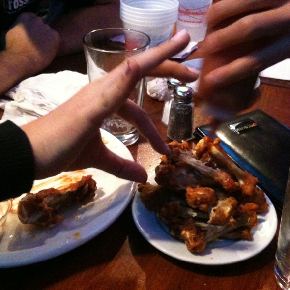 Buffalo Wings @ Kezar Pub & Restaurant