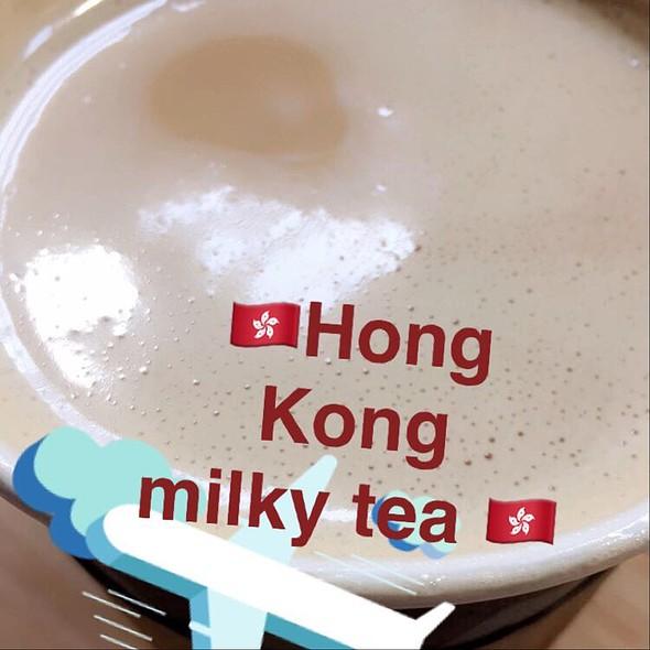 Milky Tea @ Curbside Café