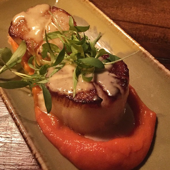 Scallops, Carrot Puree + Jalapeño Mustard Cream @ Salt