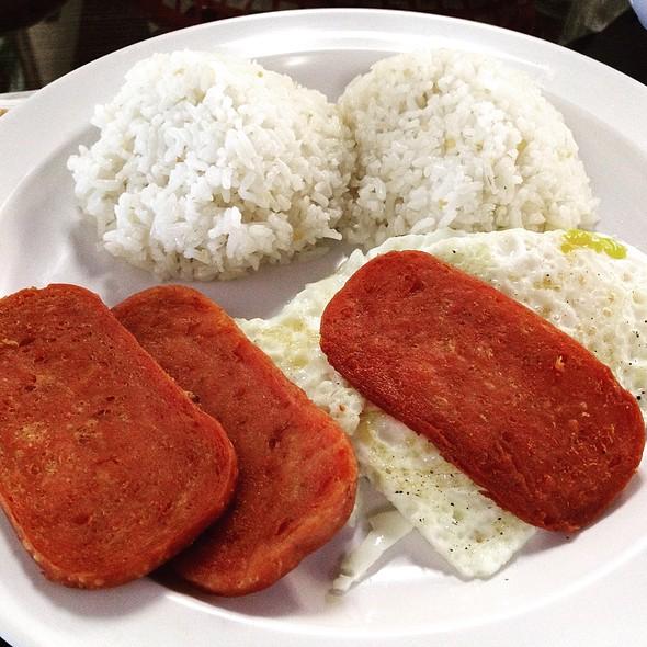 Spamsilog @ Zarlitos Family Restaurant