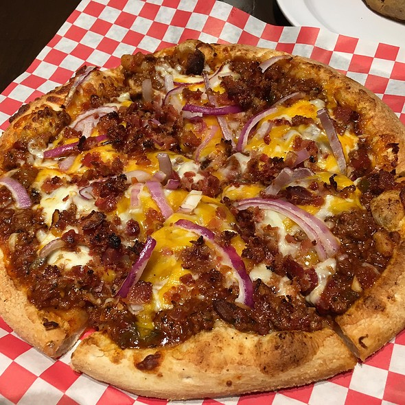 Chili Bacon Cheeseburger Pizza @ Uncle Maddio's Pizza