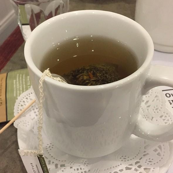 White Lotus Tea