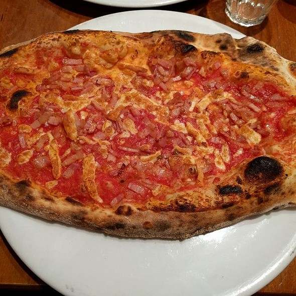 Pizza all' Amatriciana