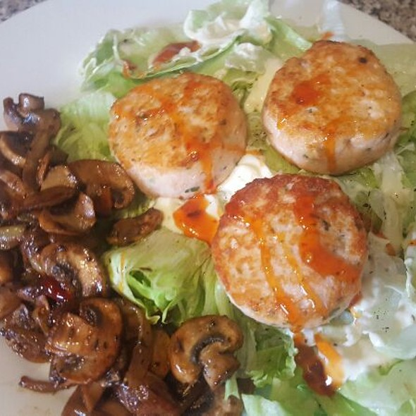 Salmon Fish Cakes And Salad @ Ash's Kitchen