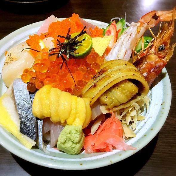 豪華海鮮丼 @ 樂町食堂