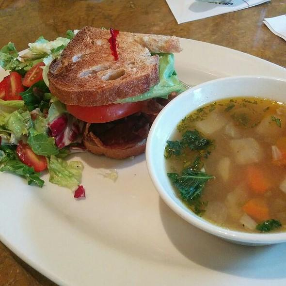 BLT @ Grand Lux Cafe