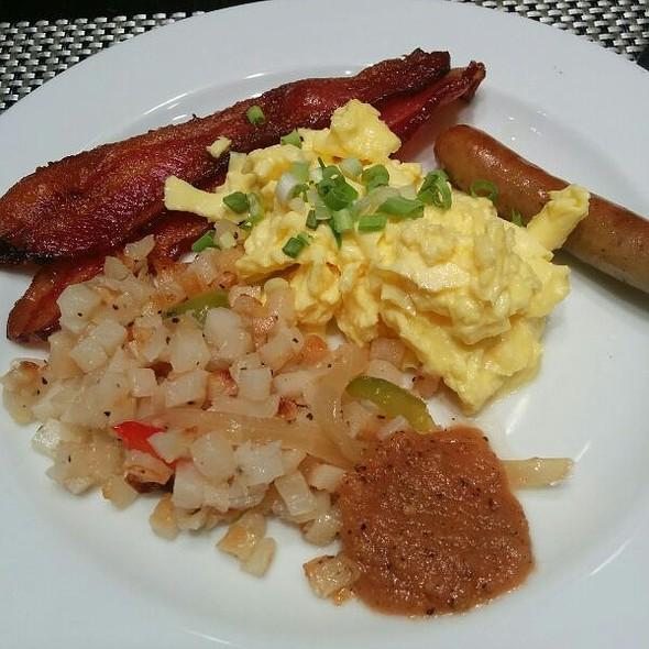Breakfast Buffet @ Warwick Allerton - Chicago