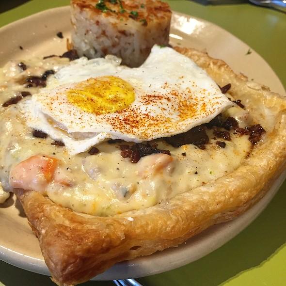 breakfast pot pie @ Snooze an AM Eatery HOUSTON