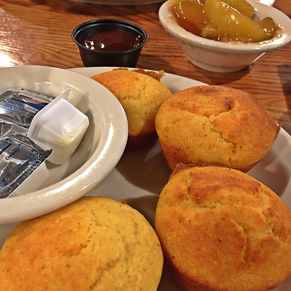 Corn Muffins And Stewed Apples @ Cracker Barrel
