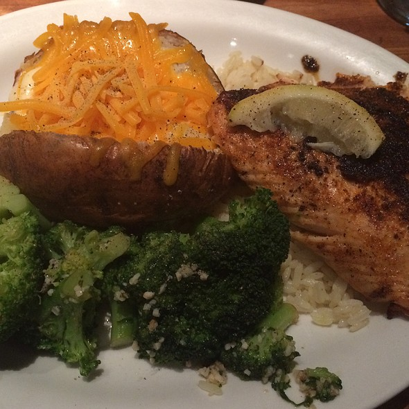 Blackened Salmon @ Cheddar's Casual Cafe