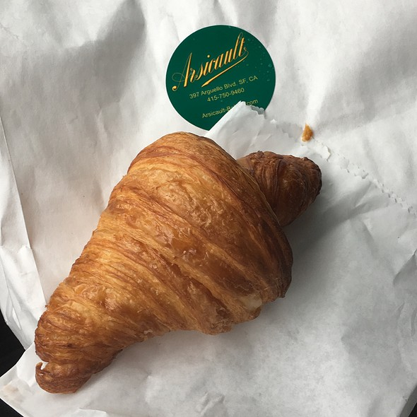 Croissant @ Arsicault Bakery