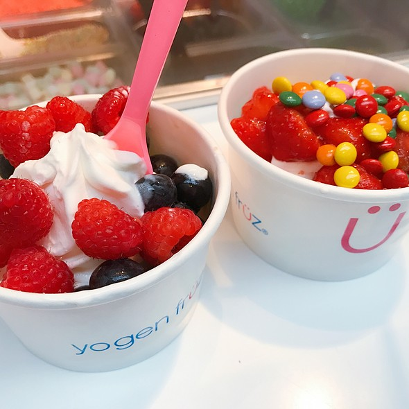 Frozen Yoghurt @ Yogen Früz