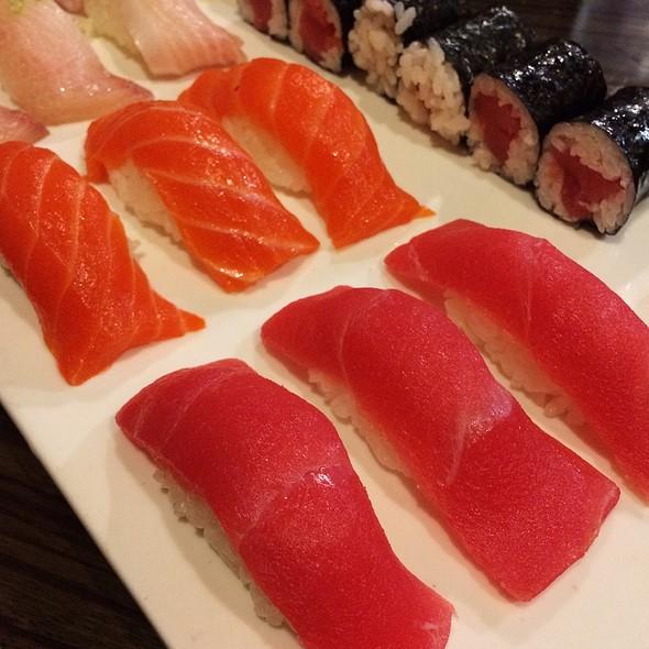 Tri Color Sushi @ Ginza