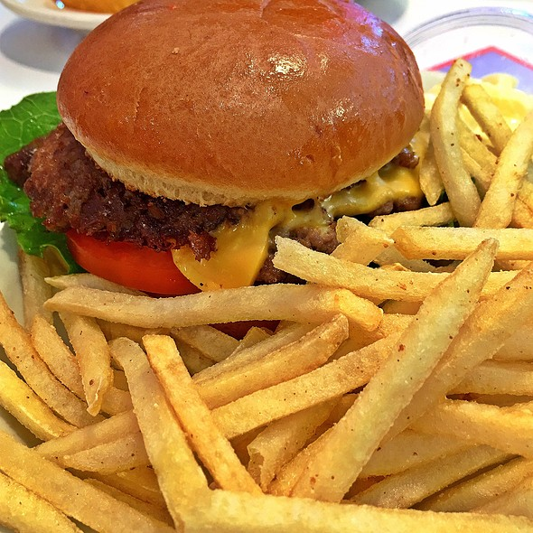 Double Cheeseburger With Fries @ Steak And Shake