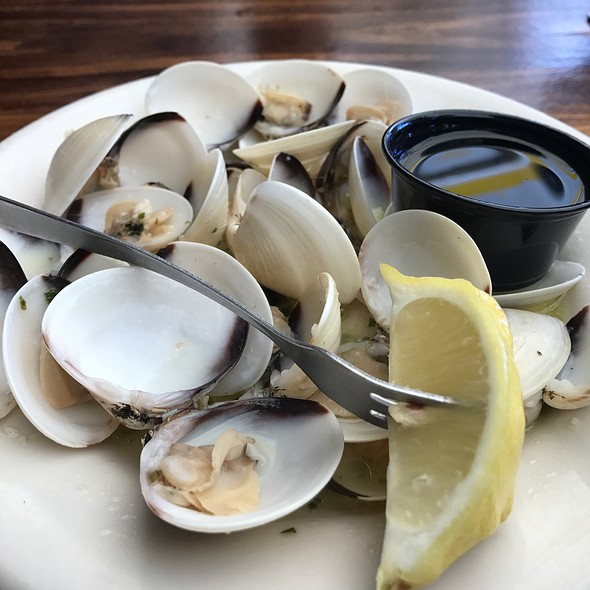 Littleneck Clam Steamers  @ Island Grill