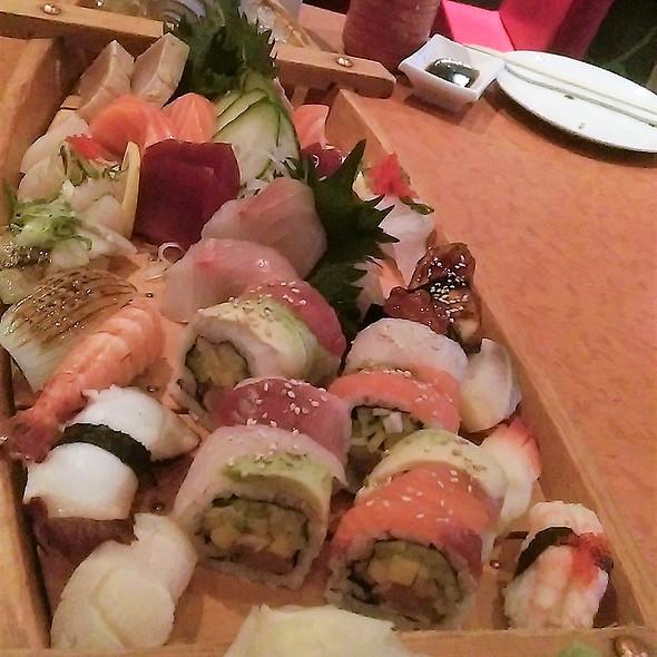Akasak's Lobster Dinner - Assorted Sushi & Sashimi @ Akasaka Japanese Restaurant