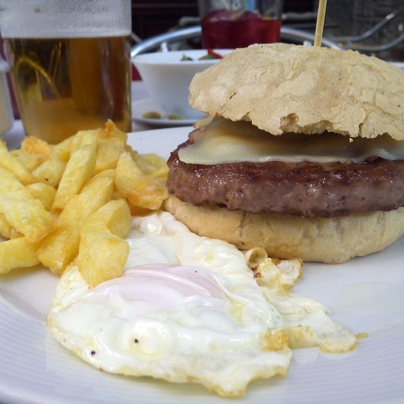Burger menu @ La cocina de la abuela