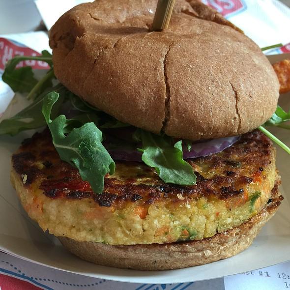 Veggie Burger @ Schnipper's Quality Kitchen
