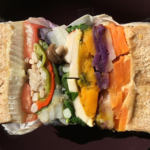 Veggie Sandwich @ Maruichi Bagel