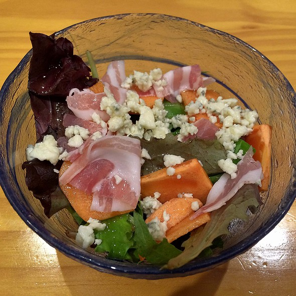 Salad - Persimmon and Prosciutto with Blue Cheese