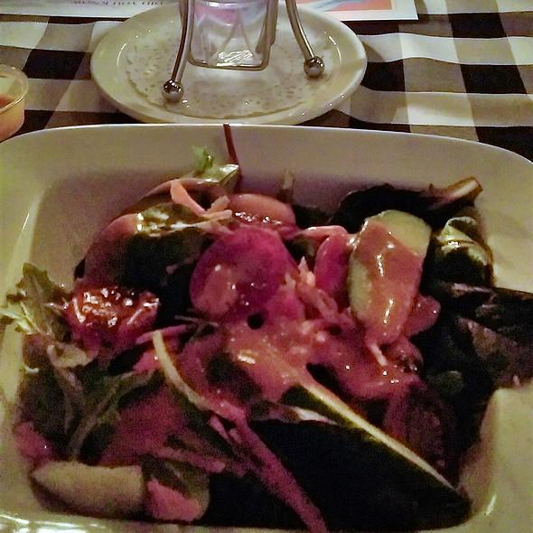 garden salad @ Lobster Trap