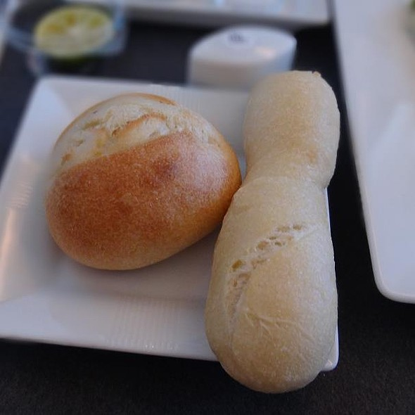 Special Bread from MAISON KAYSER  @ JL037 Haneda→Singapore