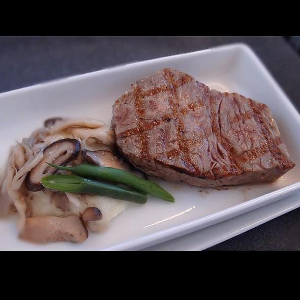 """Wagyu"" Beef Sirloin Steak with Truffle Flavored Fond de Veau & Soy Sauce, ""Sudachi"" Citrus @ JL037 Haneda→Singapore"