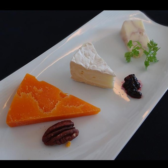 Cheese Plate @ JL037 Haneda→Singapore