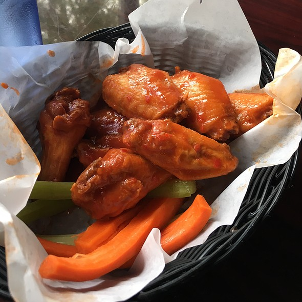 Stage 2 Wings @ Taps