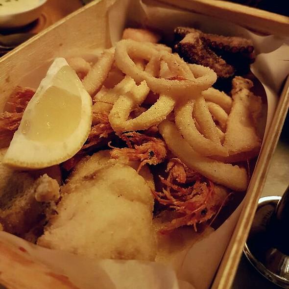 Box Of Fried Things @ Casa de Tapas Cañota