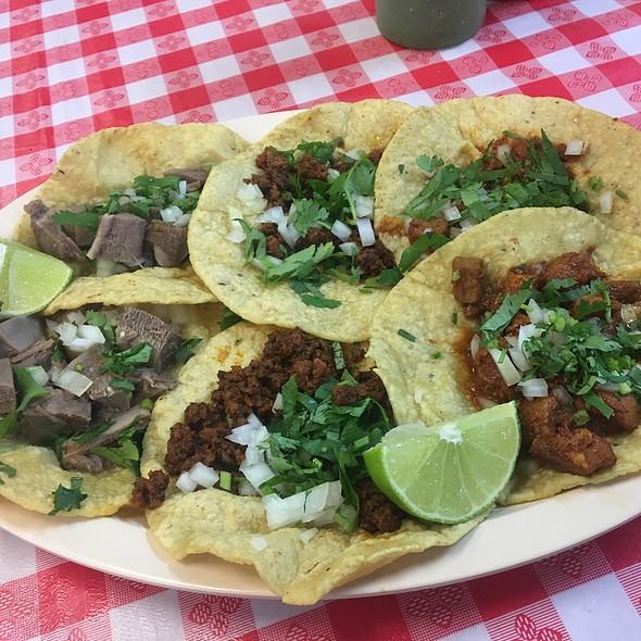 Tacos @ Chilango Express