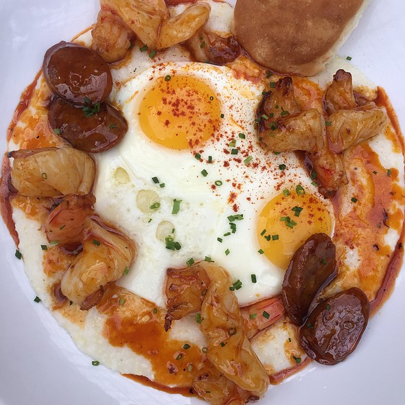 Eggs, Shrimps And Grits