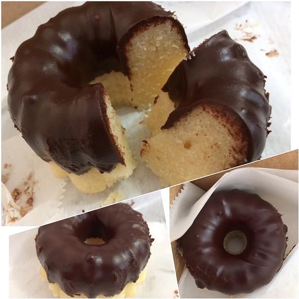 Chocolate & Hazelnuts Cakebomb @ Pipeline Bakeshop & Creamery