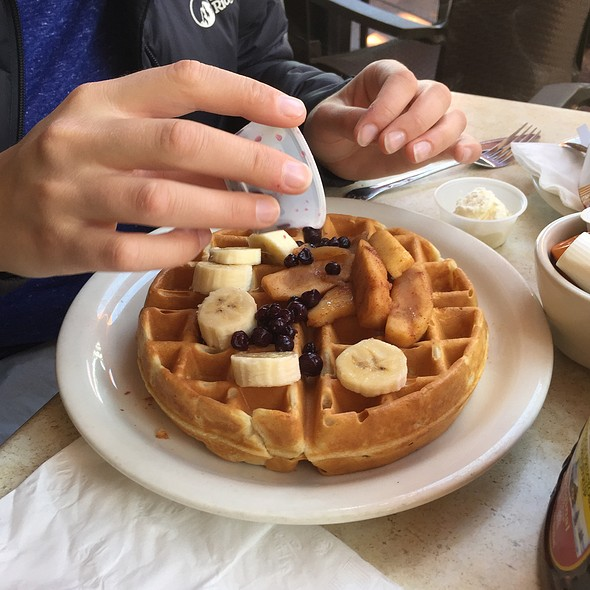 Waffles with Fruit @ Daily News Cafe