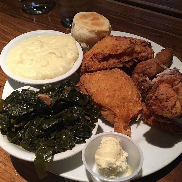 Fried Chicken Plate @ Sweet T's