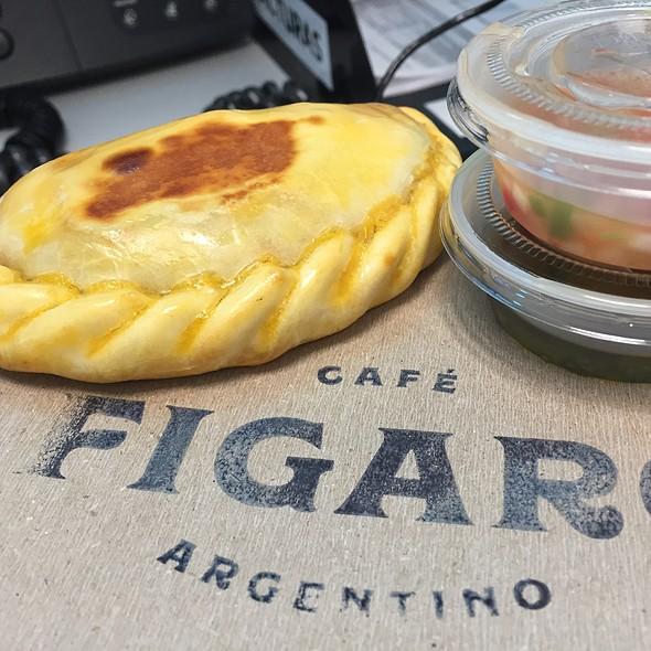 Empanada De Carne @ Cafe Argentino Figaro