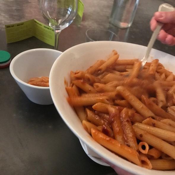 Penne All'arrabbiata V (Napoletana Sauce With Chilli)