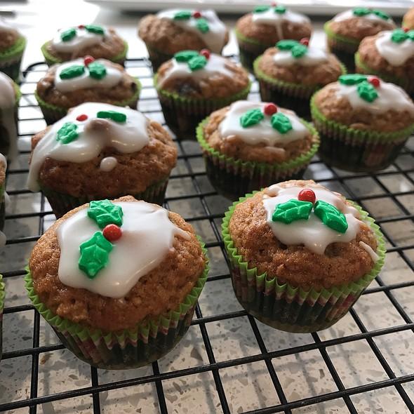 Mini Fruit Mince Muffins @ Chookys