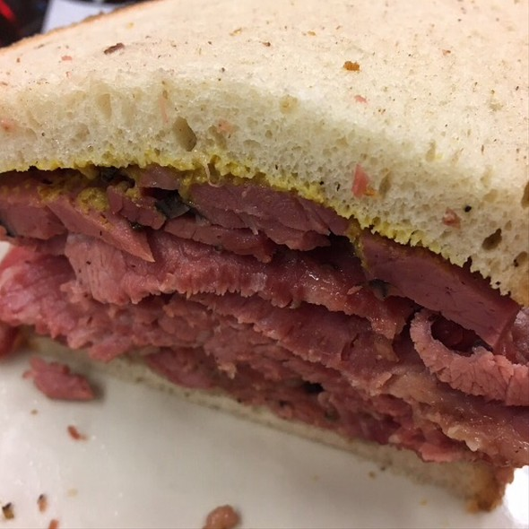 Corned Beef On Rye With Mustard