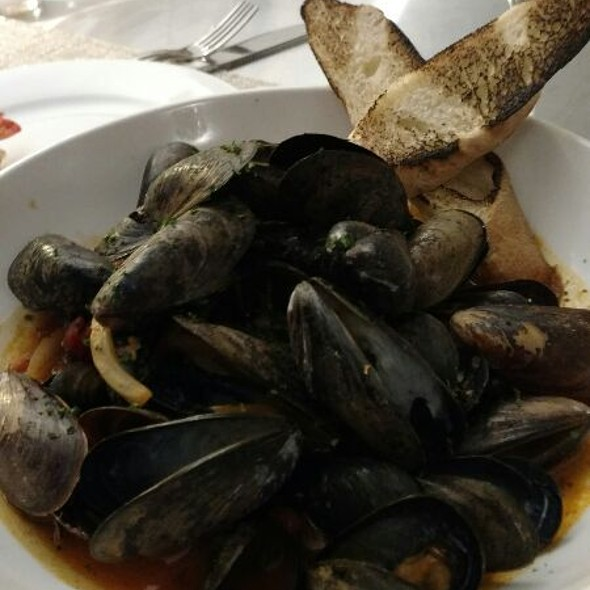 P.E.I. Mussels @ Altamura