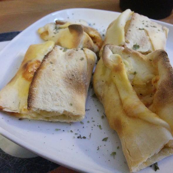 Pão de Alho Pomodoro, Queijo e Pepperoni